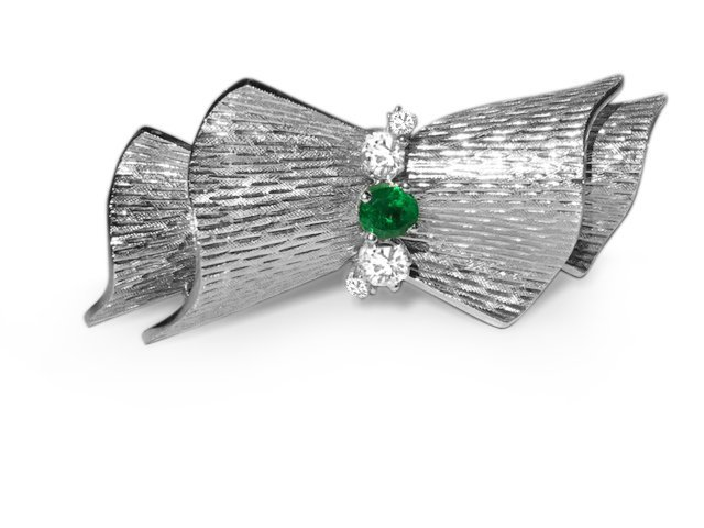18k White Gold VINTAGE. DIAMOND AND EMERALD PIN