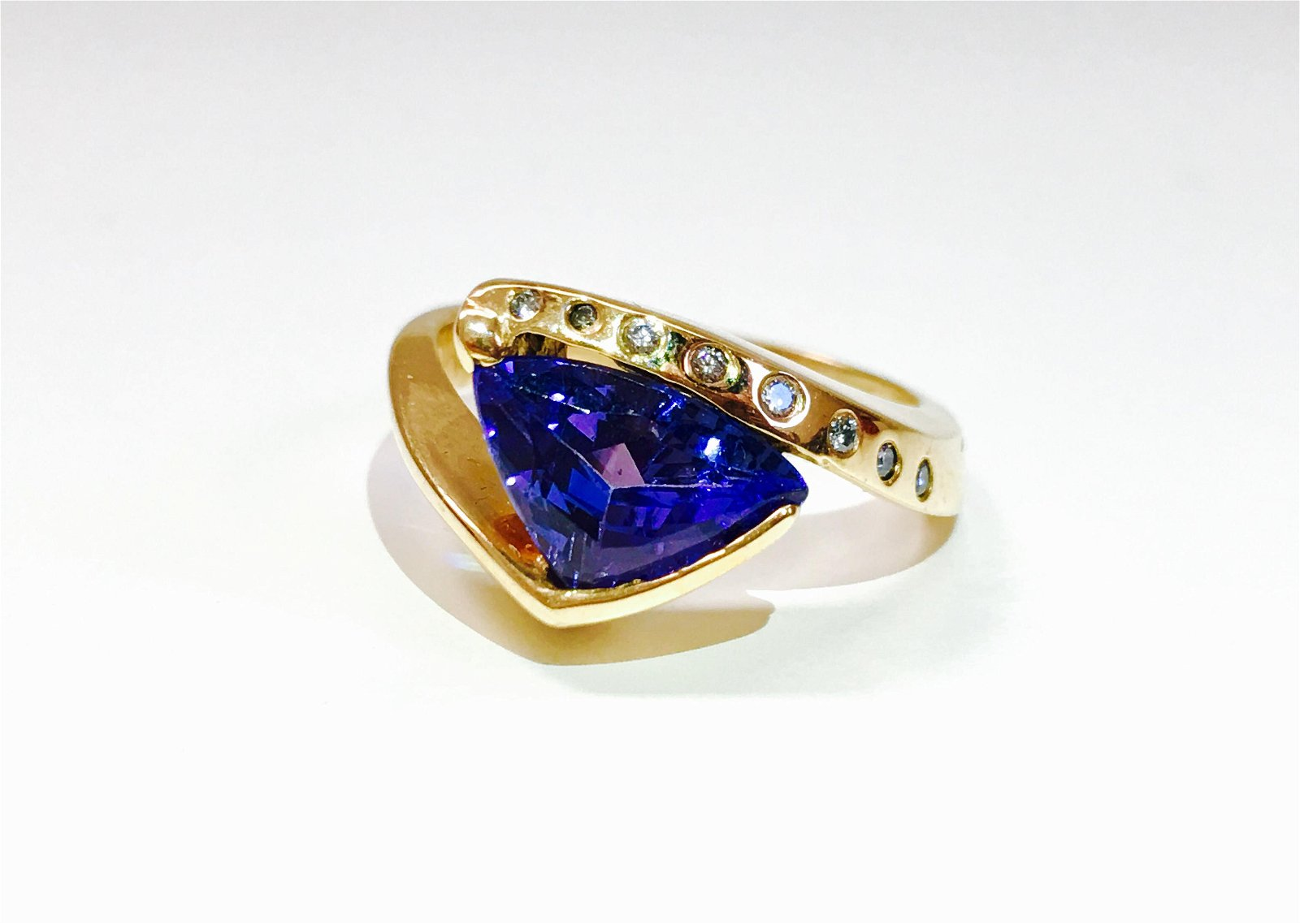 14k Yellow Gold Tanzanite And VS Diamond Ring