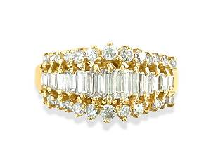 1.00 Carat Diamond and Yellow Gold Engagement Ring