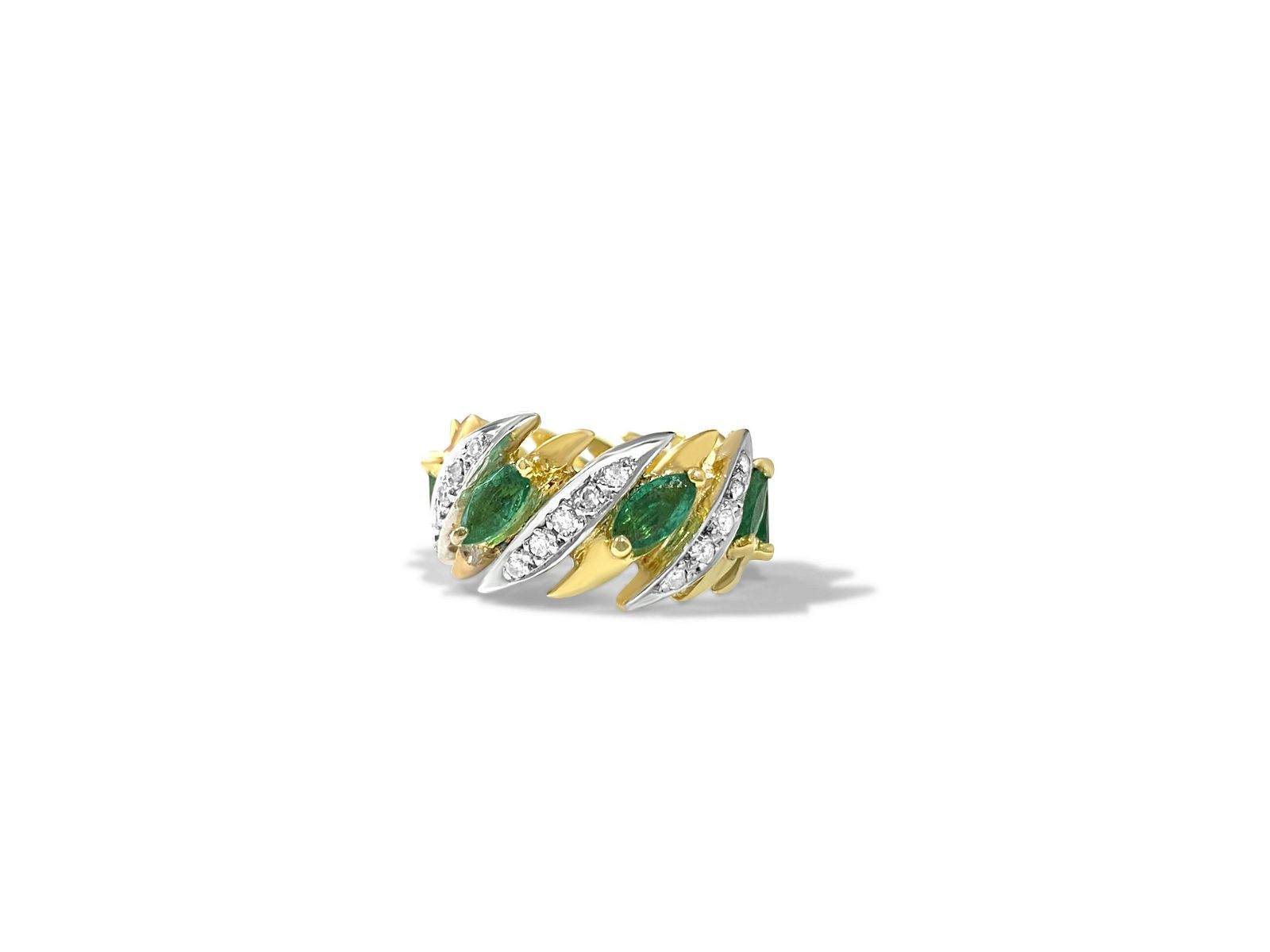 Modern 3.05 Carat Diamond & Emerald Ring 14K Gold