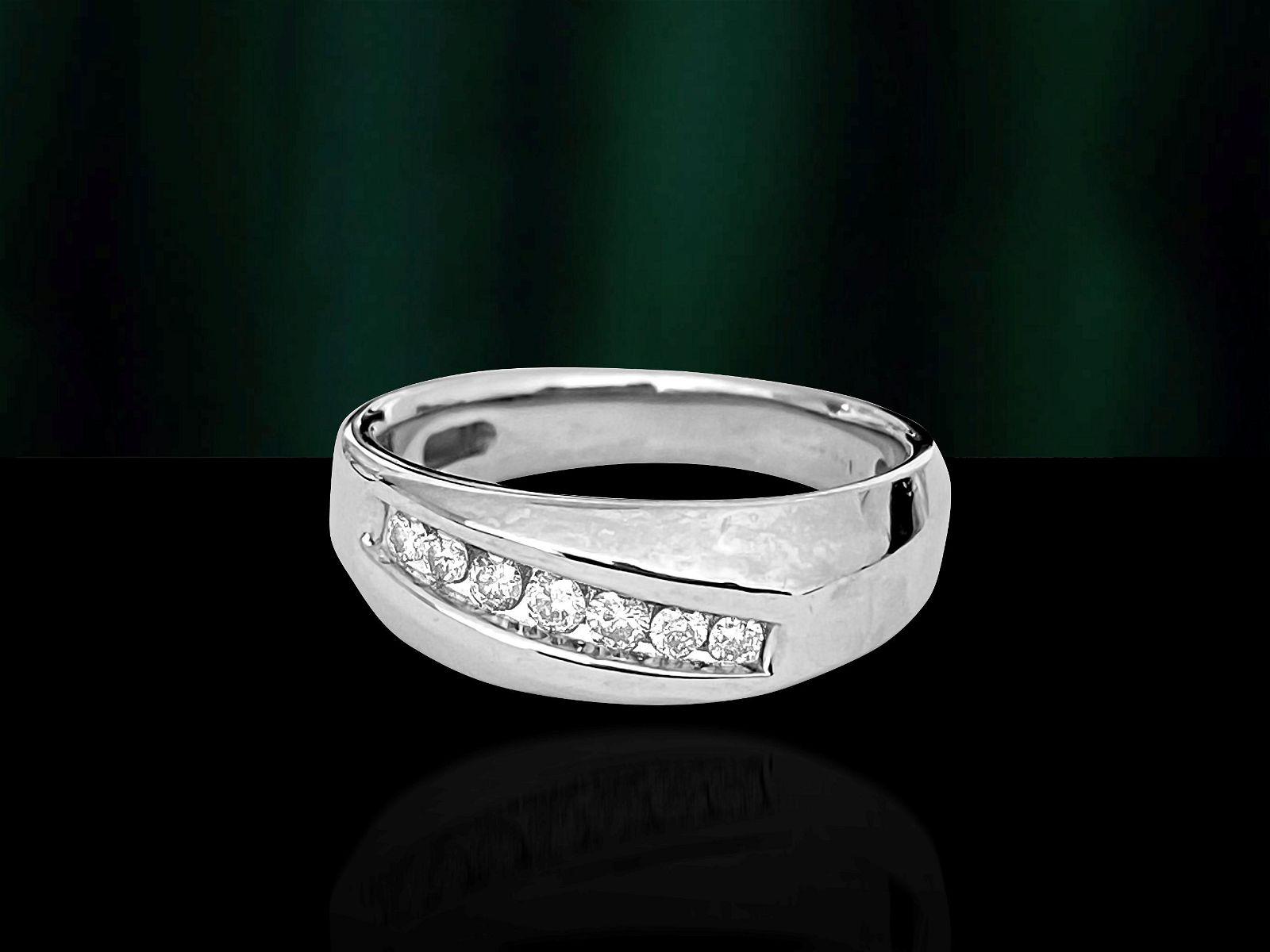 Mens, Diamond & Gold Engagement Band/Ring