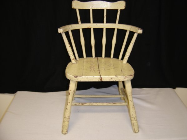 8: Childs Comb back Windsor Chair