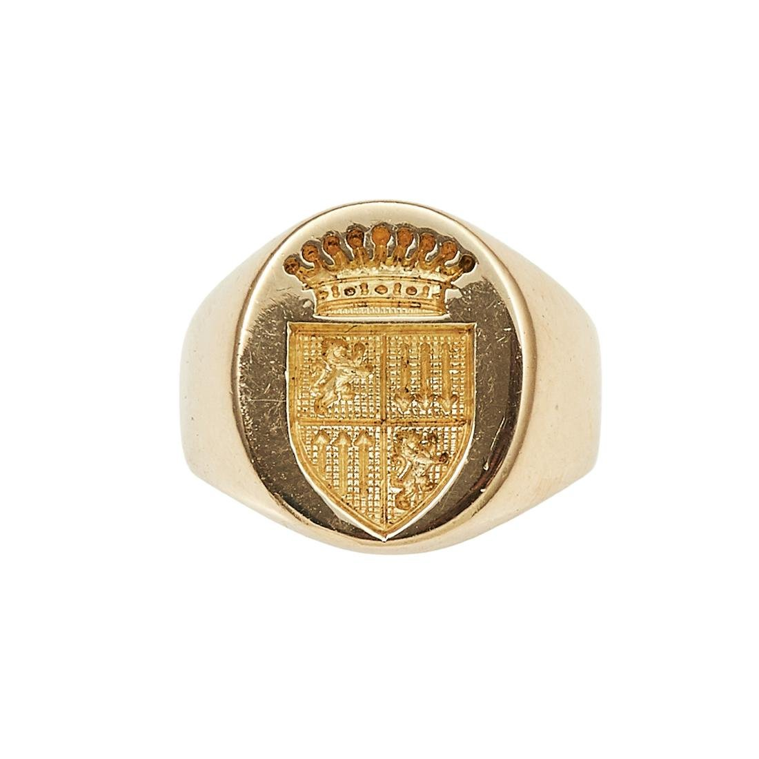 AN INTAGLIO SEAL SIGNET RING in high carat yellow gold,