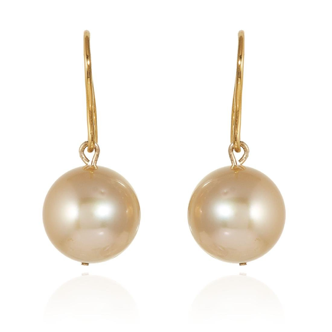 A PAIR OF GOLDEN PEARL EARRINGS 12.0mm pearls, 2.8cm,