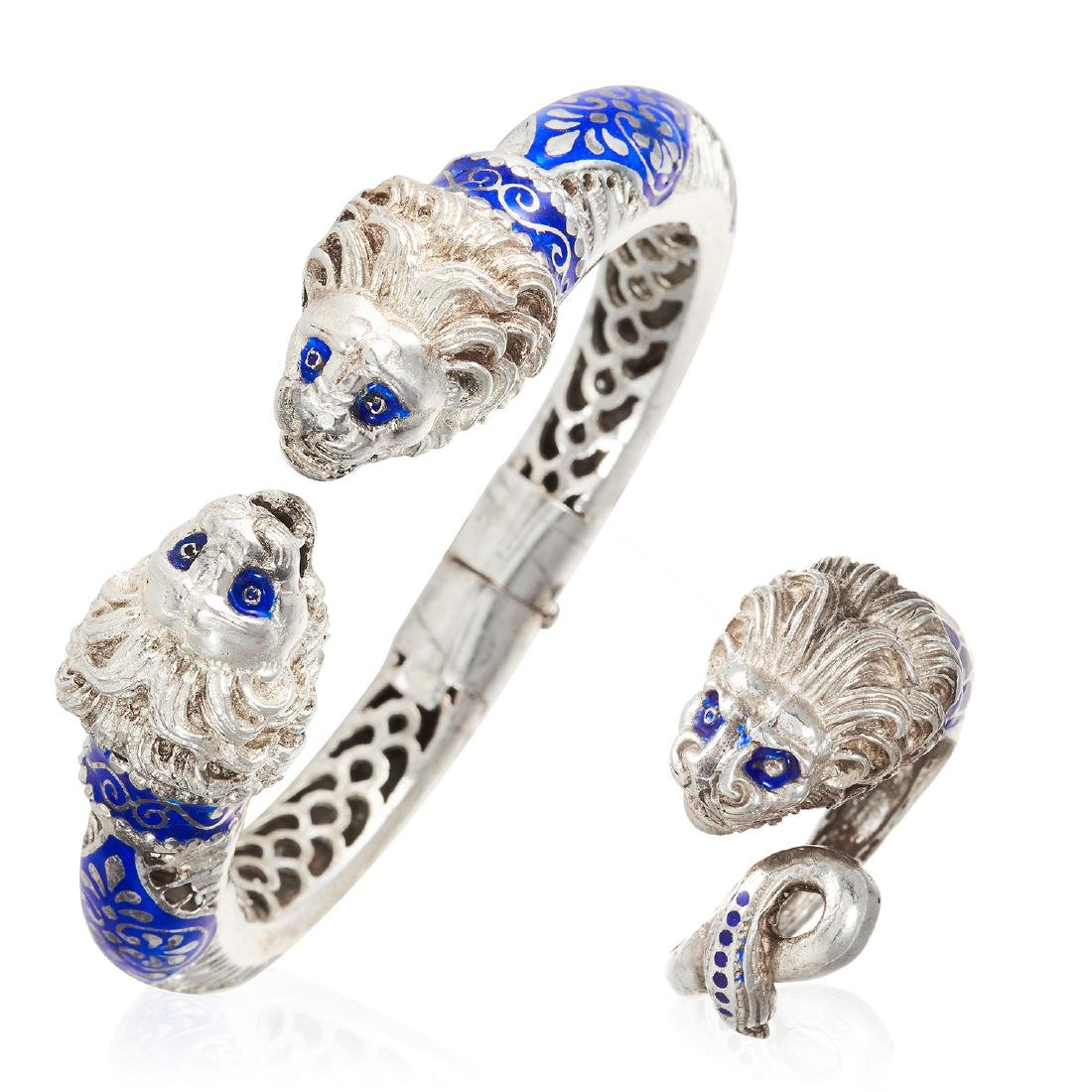 AN ENAMEL LION BANGLE AND RING SUITE in sterling