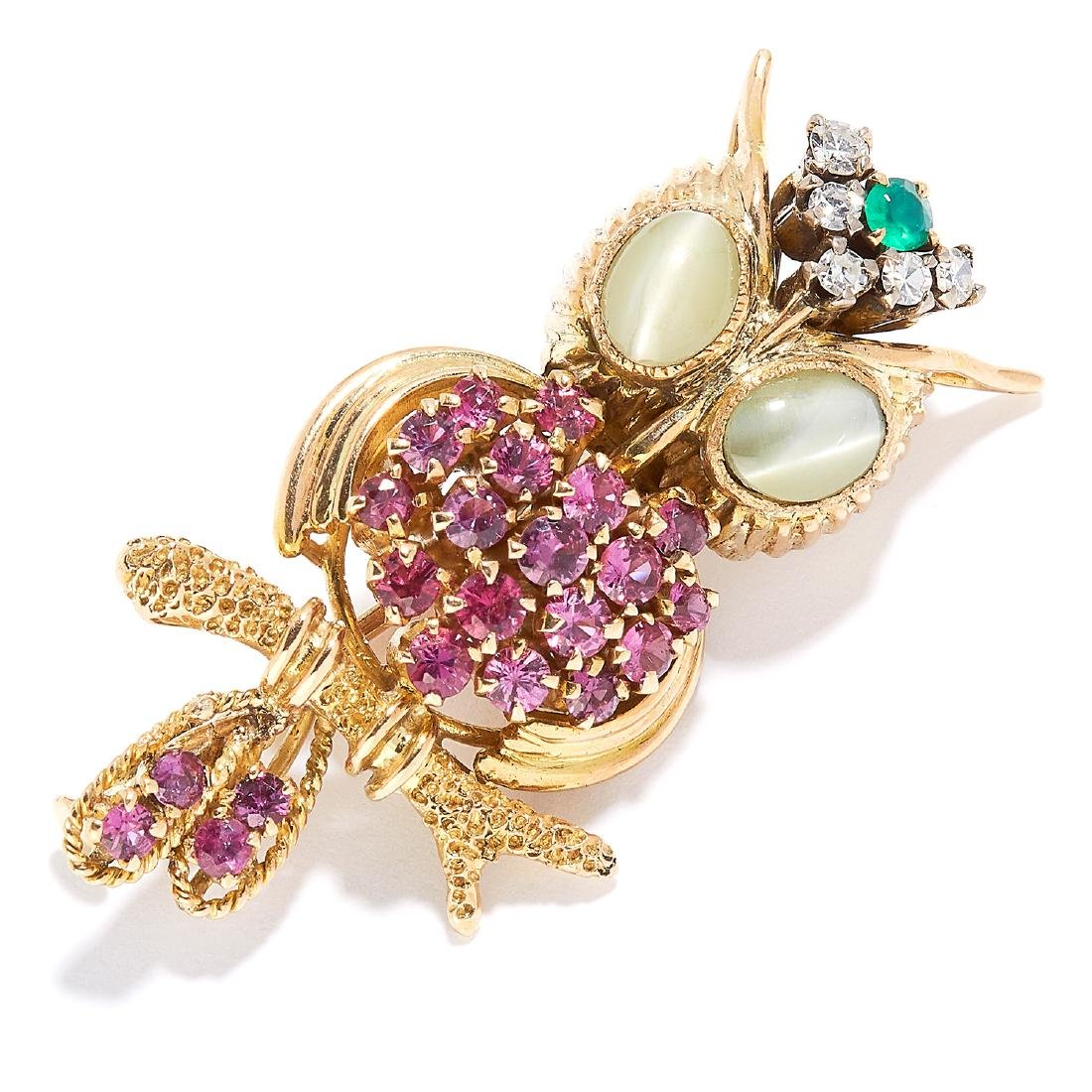 GEMSET NOVELTY OWL BROOCH in 18ct yellow gold,