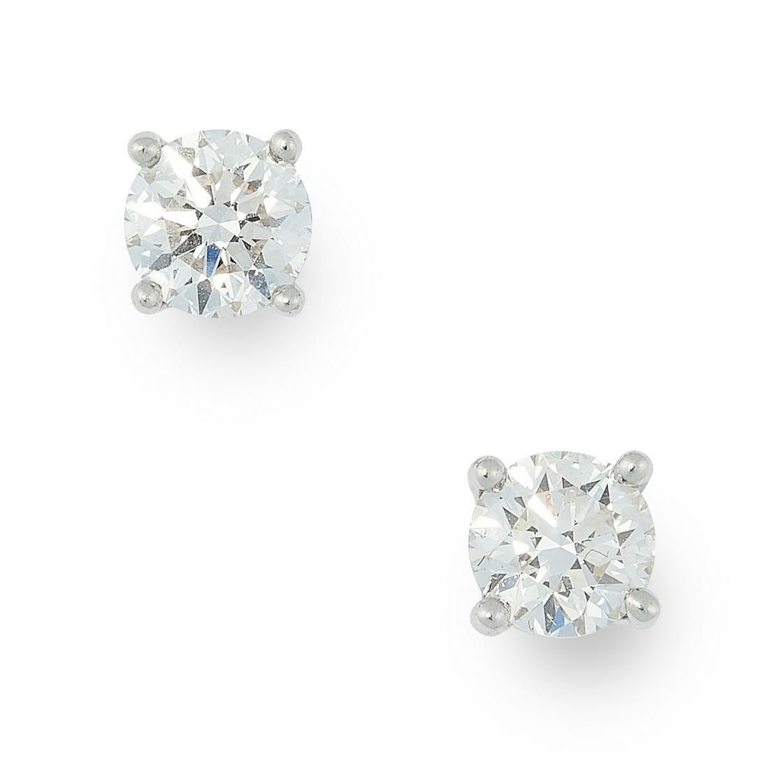 A PAIR OF 1.34 CARAT DIAMOND STUD EARRINGS, TIFFANY &