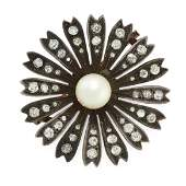AN ANTIQUE PEARL AND DIAMOND BROOCH in yellow gold and