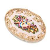 AN ANTIQUE ENAMEL SNUFF BOX 19TH CENTURY in high carat