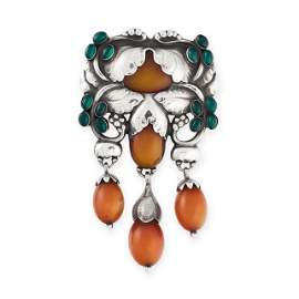 AN IMPORTANT AMBER AND CHRYSOPRASE MASTER BROOCH, GEORG