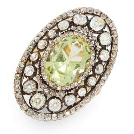 AN ANTIQUE CHRYSOBERYL AND DIAMOND COCKTAIL RING in