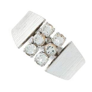 A VINTAGE DIAMOND RING in 18ct white gold, set with six