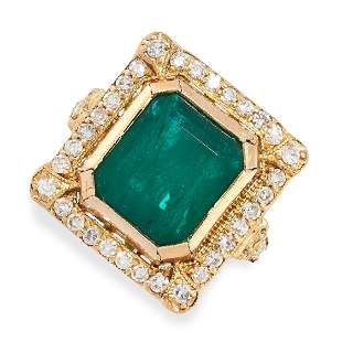 AN EMERALD AND DIAMOND RING in 18ct yellow gold, set