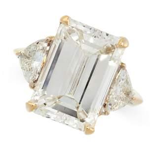 AN 11.21 CARAT DIAMOND RING in 18ct yellow gold, set