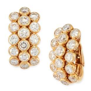 A PAIR OF DIAMOND HOOP EARRINGS in 18ct yellow gold,