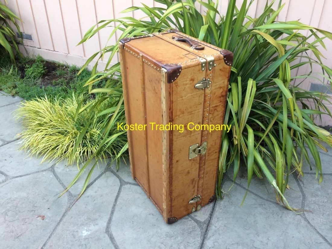 Louis Vuitton Antique Leather Wardrobe Steamer Trunk - 6