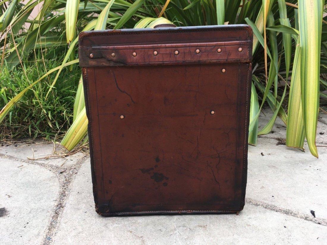 Antique Louis Vuitton Leather hat Steamer Trunk. - 4