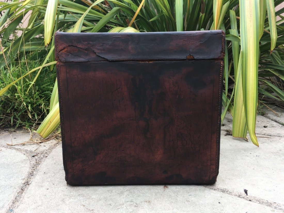 Antique Louis Vuitton Leather hat Steamer Trunk. - 6