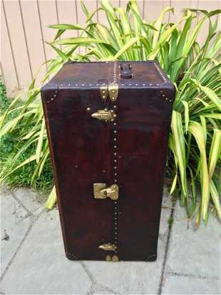 e52af991e488 Louis Vuitton Leather Wardrobe Trunk