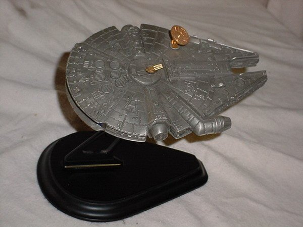 16: 1 LTD EDT STAR WARS  LARGE MILLENNIUM FALCON BY RAW