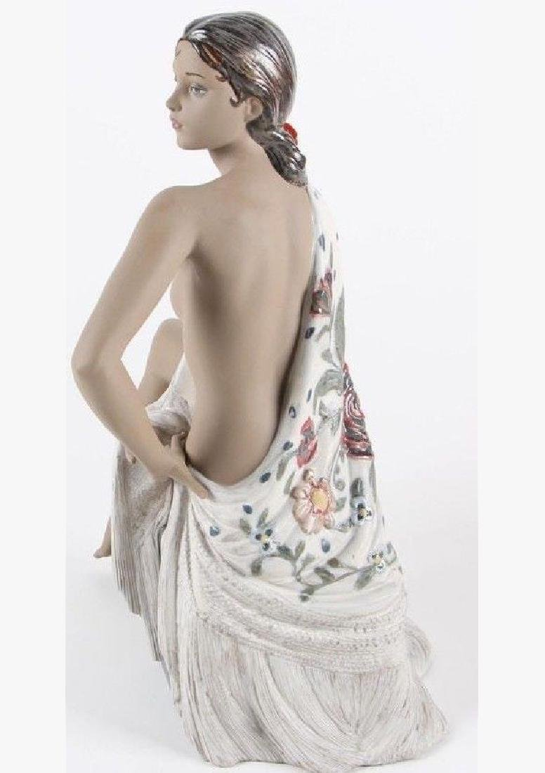 A Large LLADRO Nude with Shawl Woman Figurine - 5