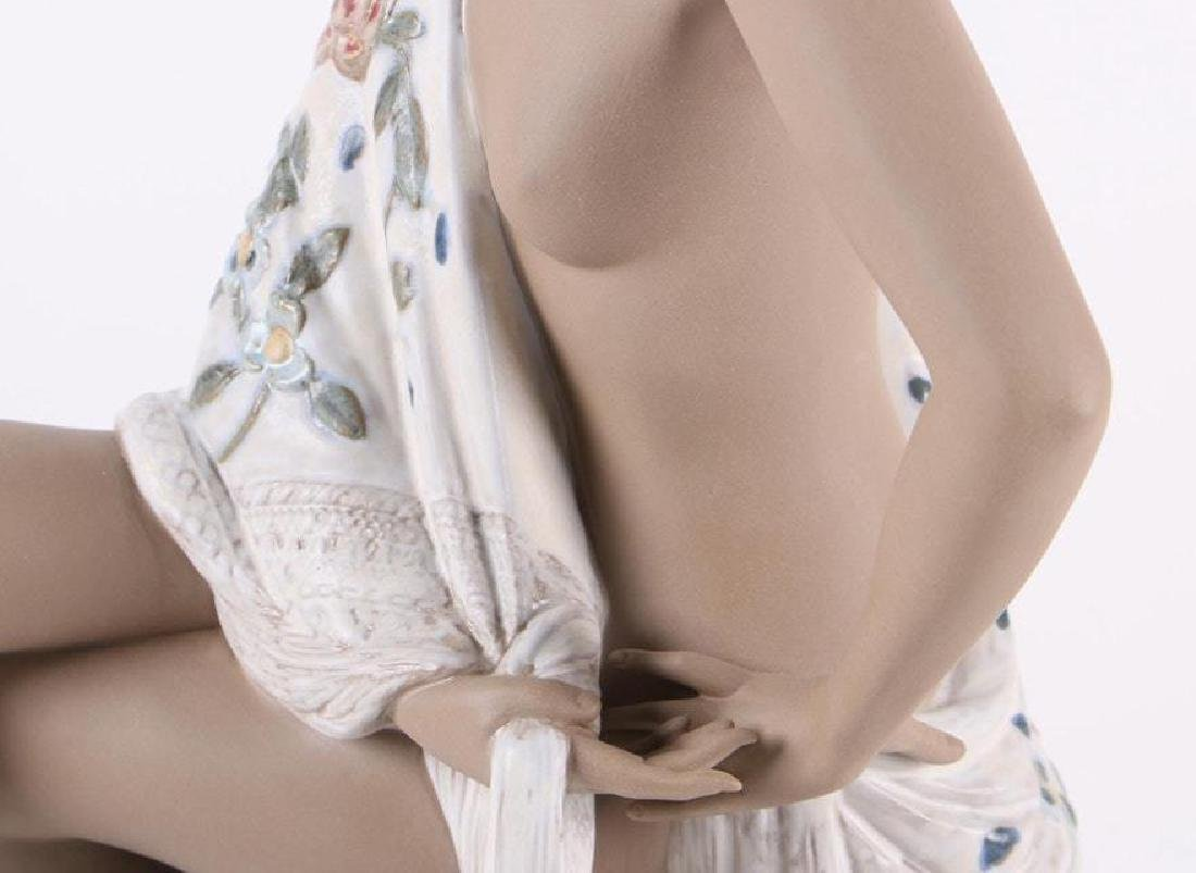 A Large LLADRO Nude with Shawl Woman Figurine - 8