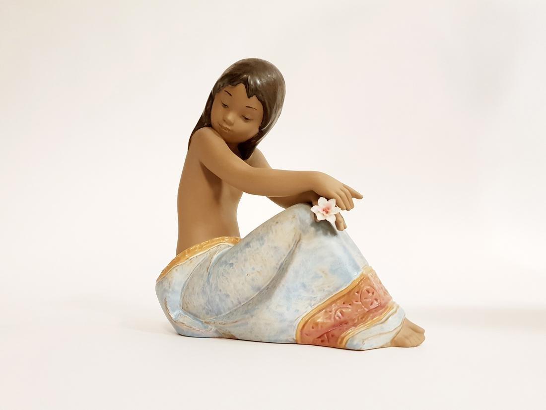 "LLADRO ""Island Beauty"" Porcelain Figurine, Original Box - 2"
