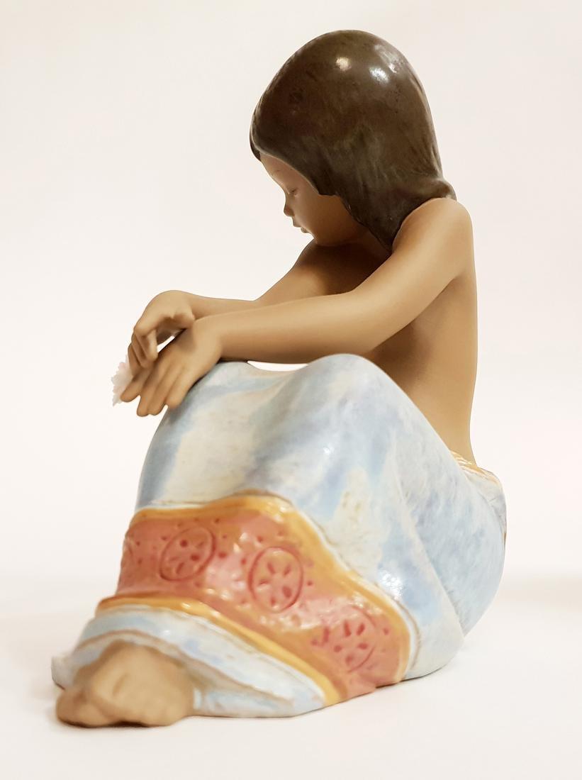 "LLADRO ""Island Beauty"" Porcelain Figurine, Original Box - 8"