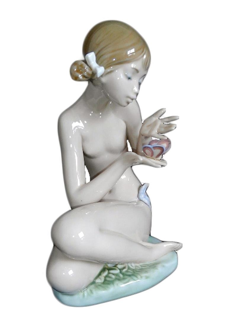 """LLADRO Signed """"Free As A Butterfly"""" Porcelain Figurine - 2"""