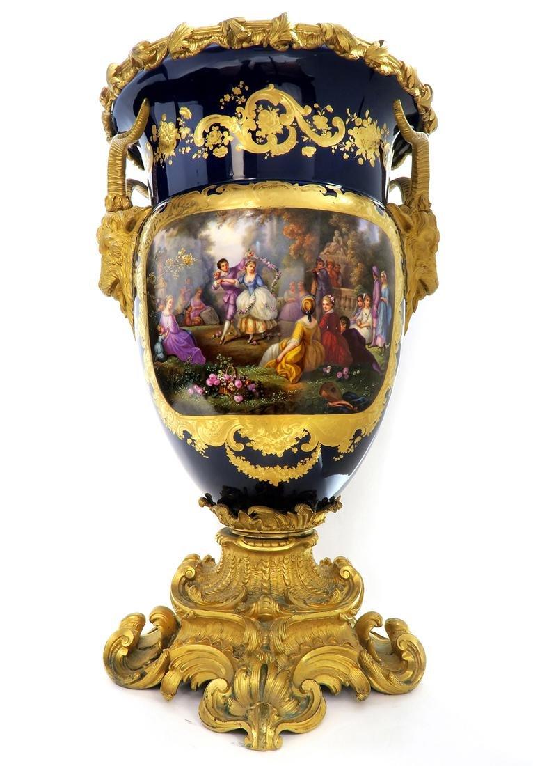 Very Fine Monumental Sevres Vase on Pedestal - 4