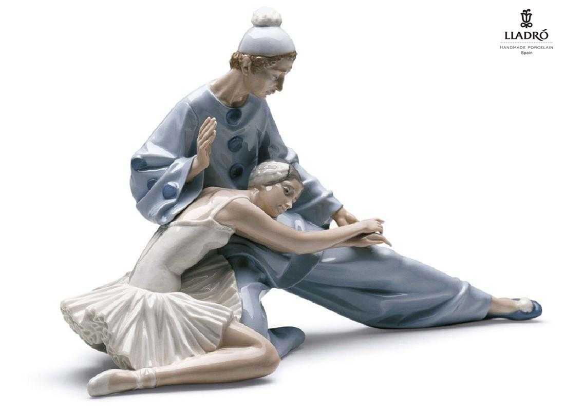 Closing Scene, A Lladro Porcelain sculpture