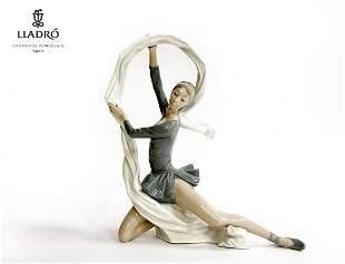 Dancer With Veil, NAO LLADRO DAISA Porcelain Figurine