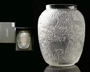 Biches, A Lalique Crystal Vase in Original Box, Signed