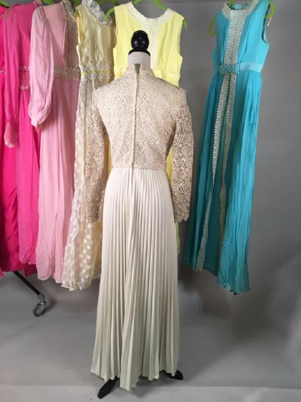 Collection Of Pastel Dresses 1970's - 4