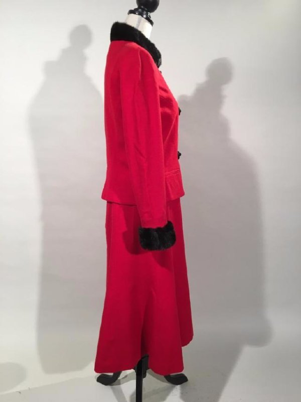 Red Dress Suit With Mink Trim - 3