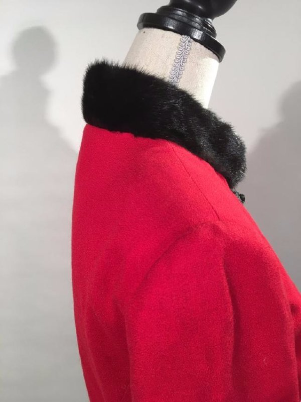 Red Dress Suit With Mink Trim - 4