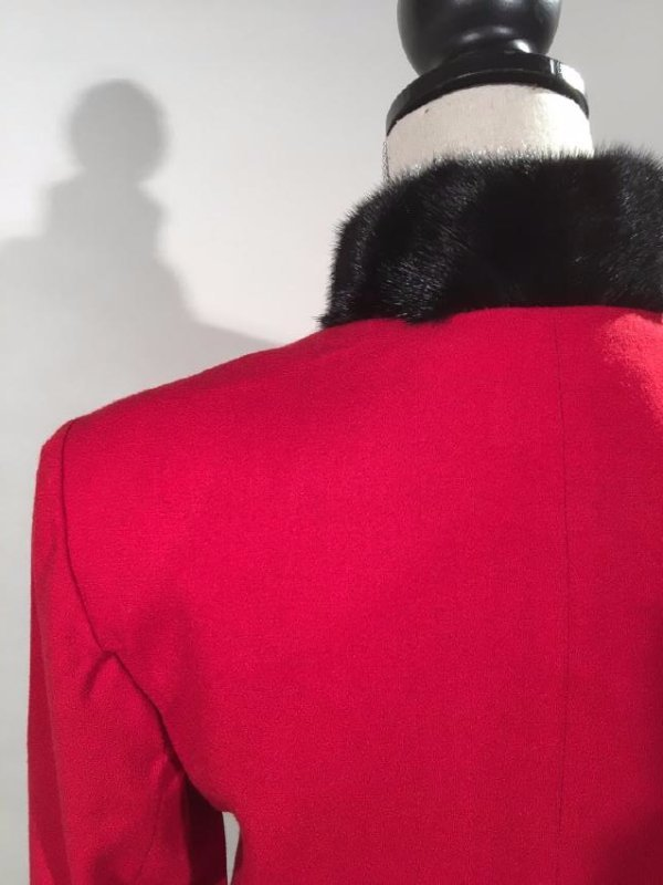 Red Dress Suit With Mink Trim - 7