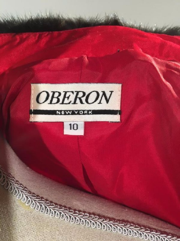 Red Dress Suit With Mink Trim - 9