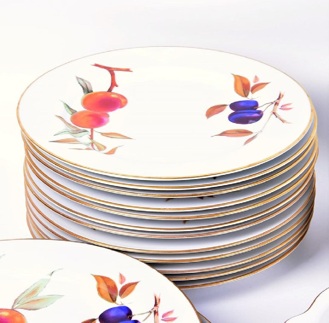 A Royal Worcester part dinner service  in the Evesham - 5