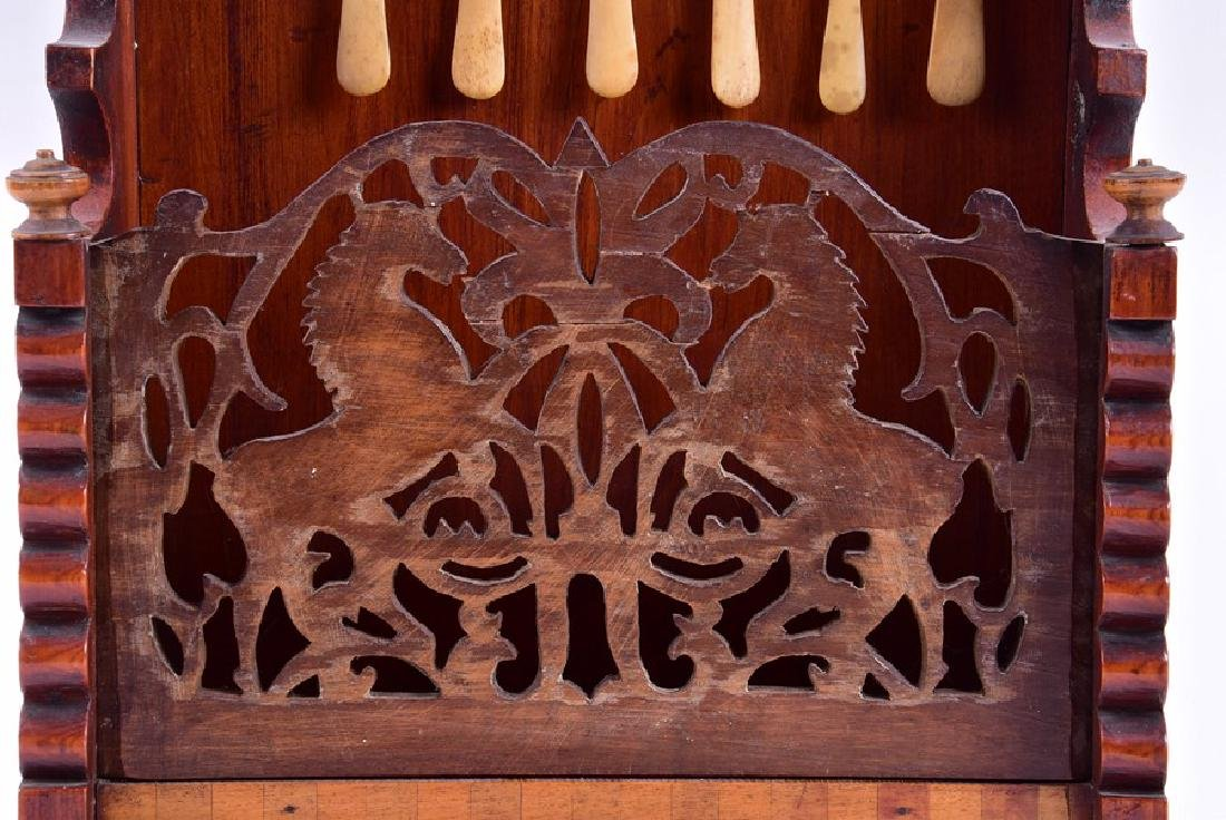 A early 19th century American spoon rack  with fretwork - 7