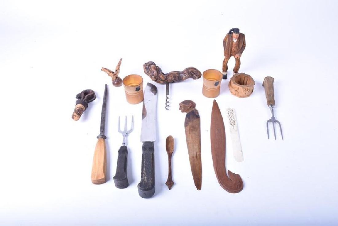 A small collection of kitchenalia and treen   to