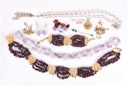 A group of jewellery items  to include a garnet