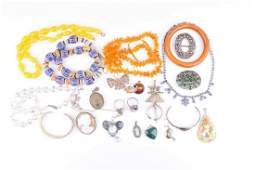A group of various jewellery items including a silver,