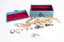 A small group of vintage costume jewellery including a