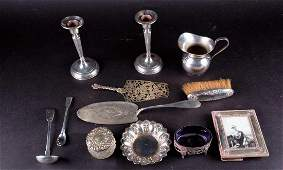 A mixed group of silver items to include a Continental