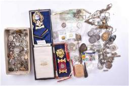 A group of silver and white metal items of jewellery