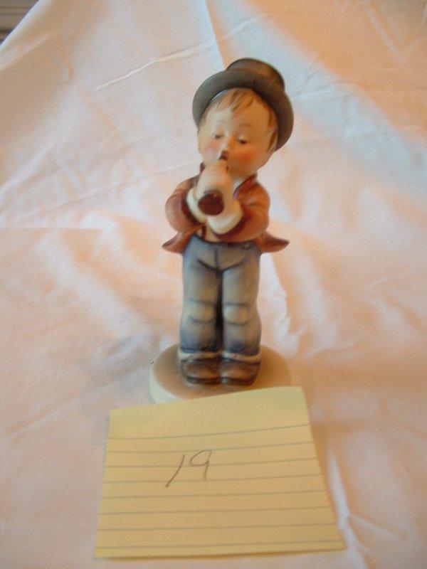 1019: Hummel Figurine (flute player)