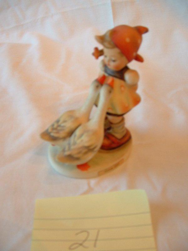 1021: Hummel Figurine (girl with geese)