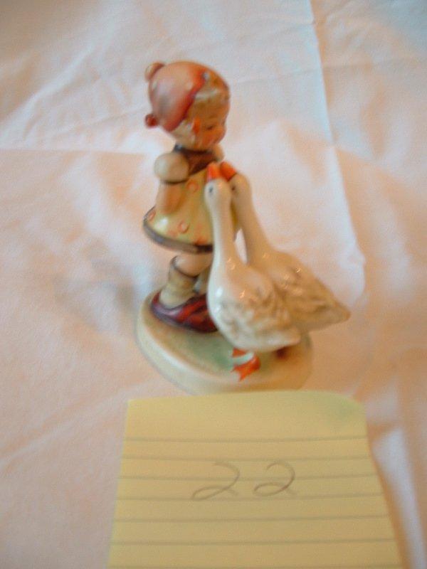 1022: Hummel Figurine (girl with geese)