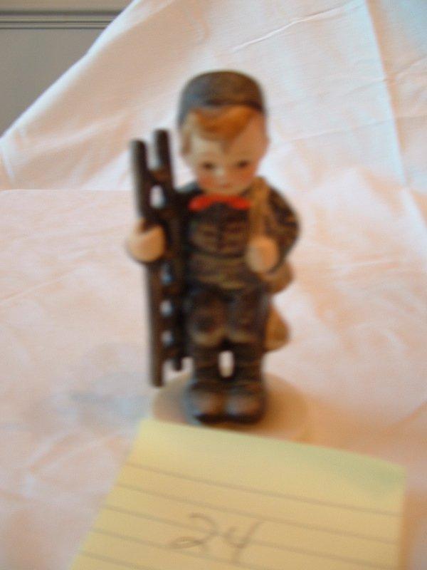 1024: Hummel Figurine (chimney sweep)